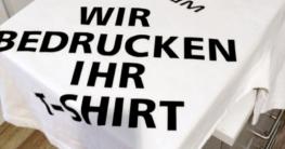 bedrucktes T-Shirt auf einer Transferpresse
